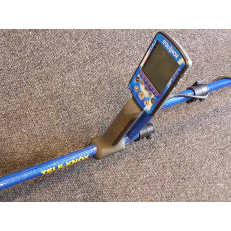 Minelab Equinox TELE-KNOX S-Stem System. Telescopic Carbon Shaft in Blue.